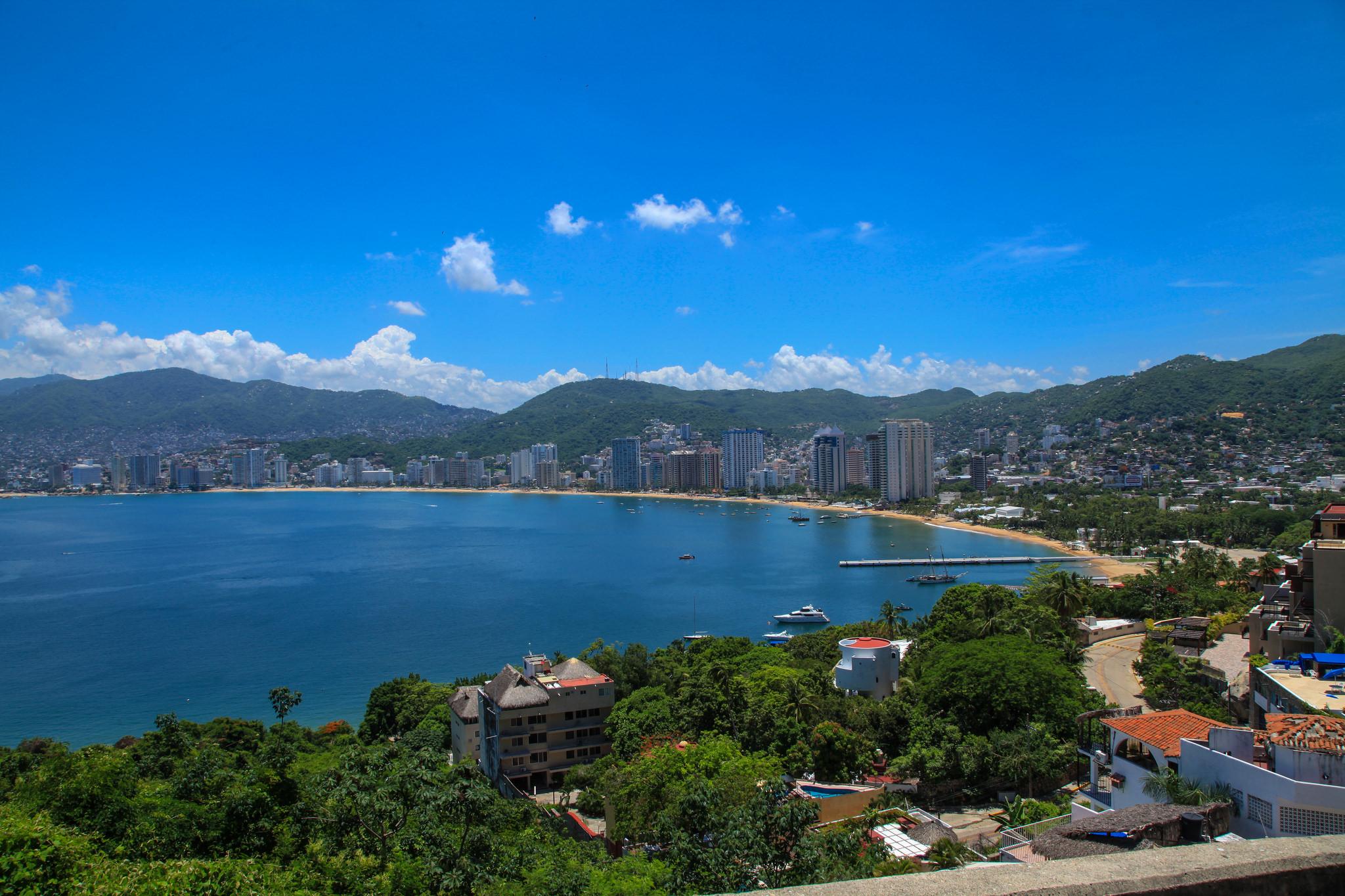 acapulco Luis urquiza