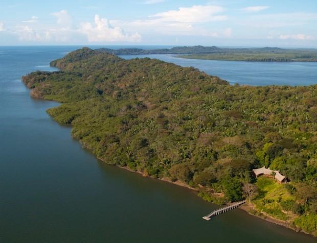 Boca-Chica-Island-Panama-620x476
